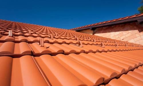 Jakie są zalety dachówek ceramicznych?