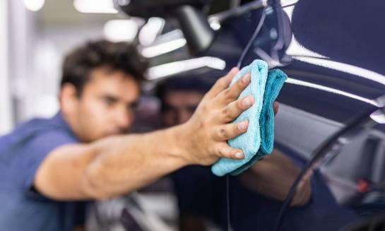 Auto detaling – samodzielnie czy w profesjonalnej firmie?