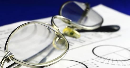 Jak dobrać okulary do korekcji zeza?