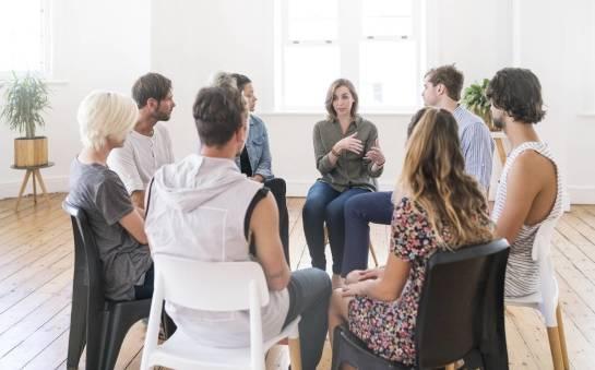Formy psychoterapii - indywidualna czy grupowa?