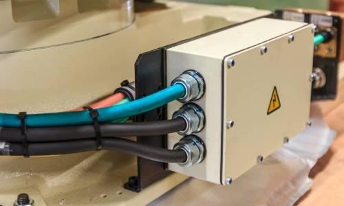 Do czego służą dławnice kablowe?