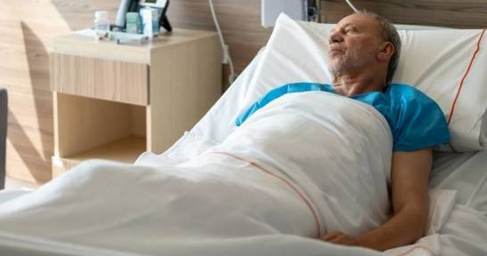 Jak zapobiegać powstawaniu odleżyn u leżących osób?