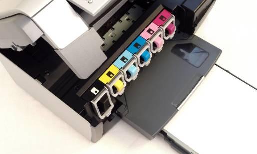 Jak wydajnie korzystać z tonerów w drukarkach?