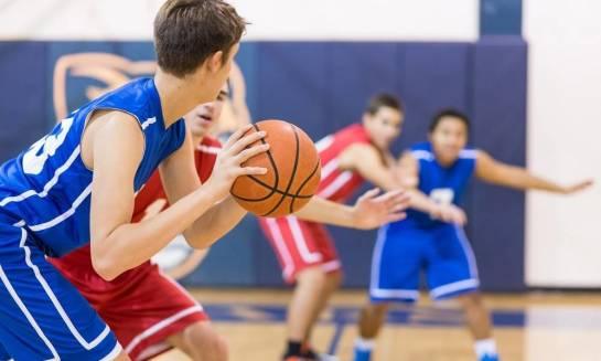 Jak wyglądają zajęcia pozalekcyjne w szkole sportowej?