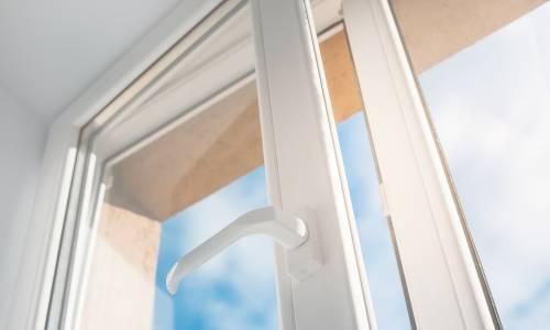 Ile decybeli pochłania okno dźwiękoszczelne?