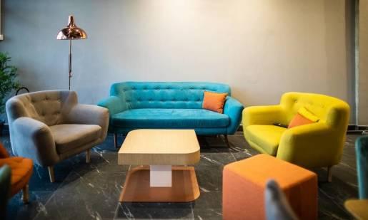 Soft seating, czyli miękkie meble biurowe