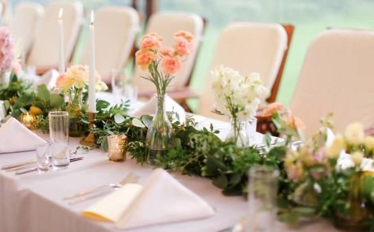 Przemyślana aranżacja sali weselnej. Na co zwrócić uwagę?