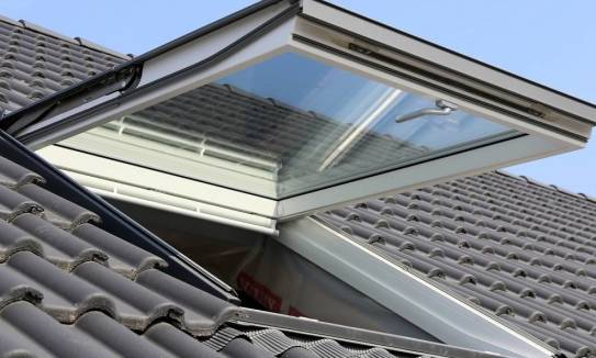 Na co powinno się zwracać uwagę podczas wybierania okien dachowych?