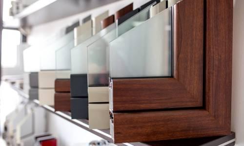 Aluminiowe, PCV czy drewniane - jakie okna zamontować w domu?