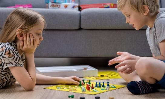 Gry planszowe dla dzieci. Przegląd gier na czasie.