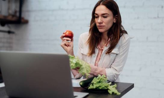 Czego dowiemy się podczas fachowego kursu dietetyki i suplementacji online?