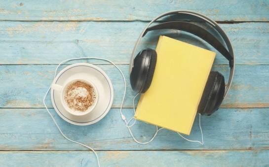 Książki mówione, czyli audiobooki. Historia i rozwój książek do słuchania