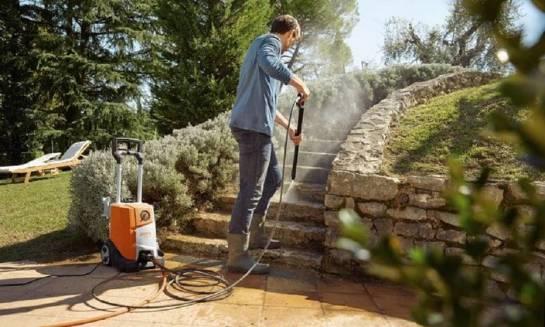 Zastosowanie myjek ciśnieniowych w domu i w ogrodzie