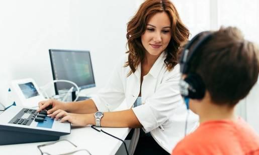 Jakie badania wykonuje się przy pomocy audiometrów?