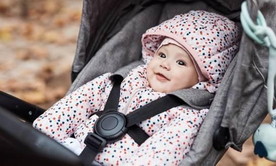 Jakie atesty powinien mieć wózek dla dziecka?