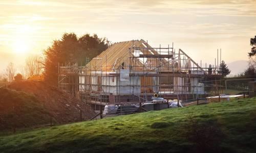 Jakie rusztowanie wybrać przy budowie domu jednorodzinnego?