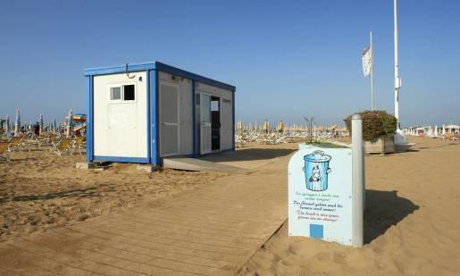 Jak działają i gdzie mają zastosowanie kontenery sanitarne?