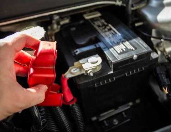 Wybór akumulatora do samochodu - czy marka ma znaczenie?