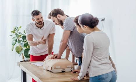 Kursy kwalifikowanej pierwszej pomocy. Cele i przebieg
