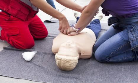 Co powinien obejmować kurs pierwszej pomocy?