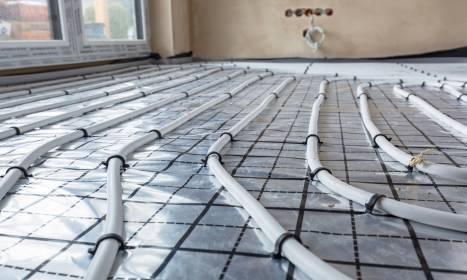 Pompy ciepła a ogrzewanie podłogowe. Co warto wiedzieć?