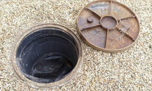 Zadymianie kanalizacji – kiedy warto skorzystać z takiej usługi?
