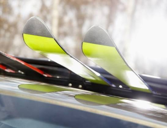 Jak przewozić narty samochodem?