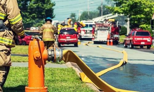 Z jakich węży pożarniczych na co dzień korzystają strażacy?