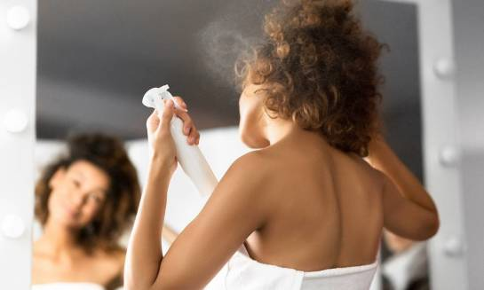 Kiedy stosuje się mocne lakiery do włosów?