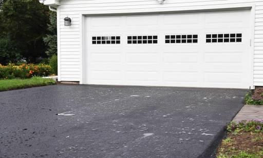 Czym charakteryzują się segmentowe bramy garażowe?