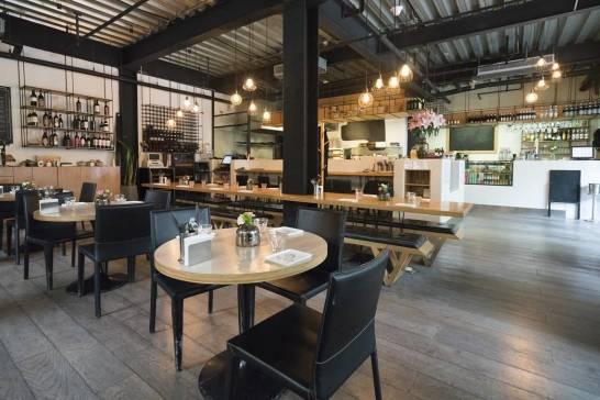Najmodniejsze krzesła i stoły do restauracji