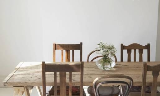 Jaki stół wybrać do małej jadalni?