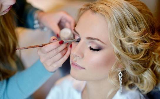 Kosmetyki do makijażu Avon - przegląd propozycji