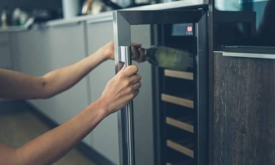Na co zwracać uwagę podczas wybierania lodówki do wina?