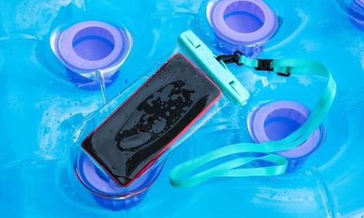 Jak chronić telefon przed wodą?