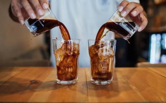 Propozycje napojów na lato – kawa nitro, cold brew oraz ice tea