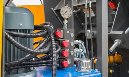 W jaki sposób dozuje się olej w układach centralnego smarowania?