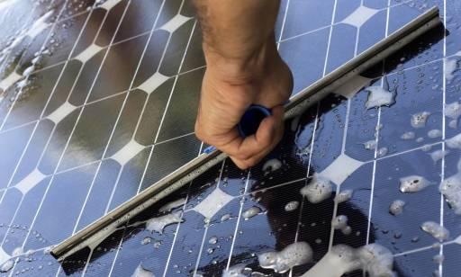 Jak często czyścić panele fotowoltaiczne?