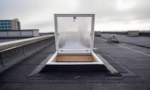 Jak odpowiednio dobrać wyłaz dachowy?