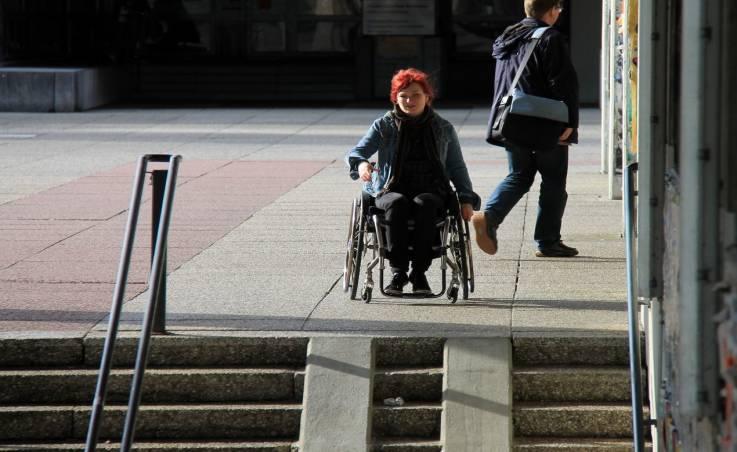 Wymogi dotyczące budowy podjazdów dla niepełnosprawnych