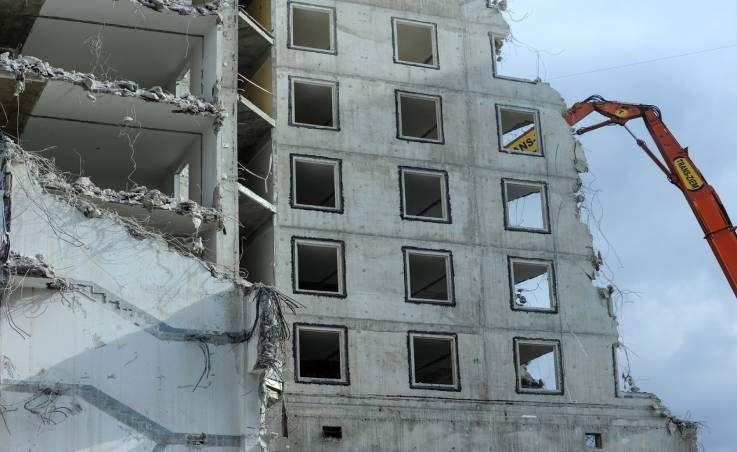 Rozbiórka budynku krok po kroku