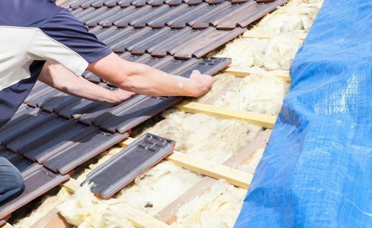 Z jakich materiałów mogą być wykonane dachówki?