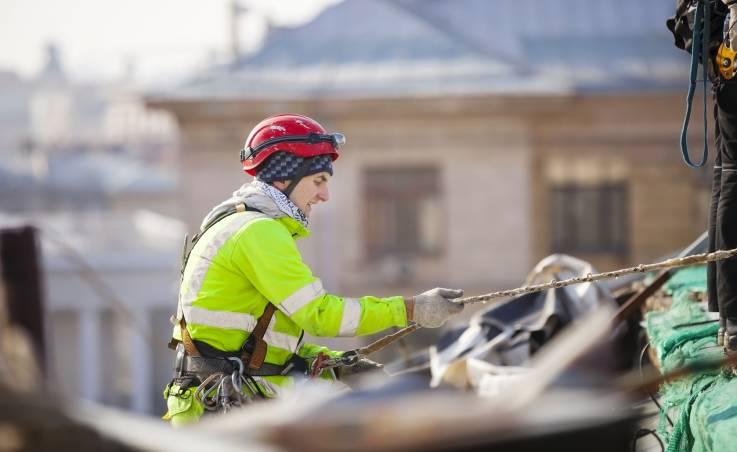 Techniki linowe w usługach i budownictwie