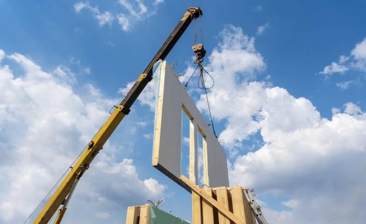 Konstrukcja domów modułowych. Stalowy szkielet i izolacyjne wypełnienie