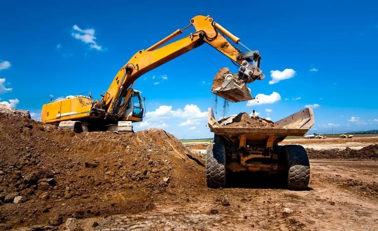 Jakie przyczepy są wykorzystywane na budowach?