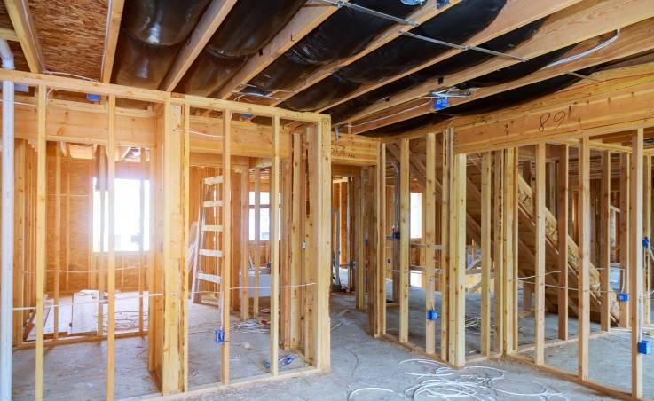 Jak przebiega budowa domu szkieletowego?