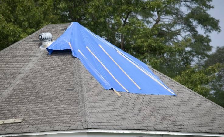 Jak uszczelnić przeciekający dach?