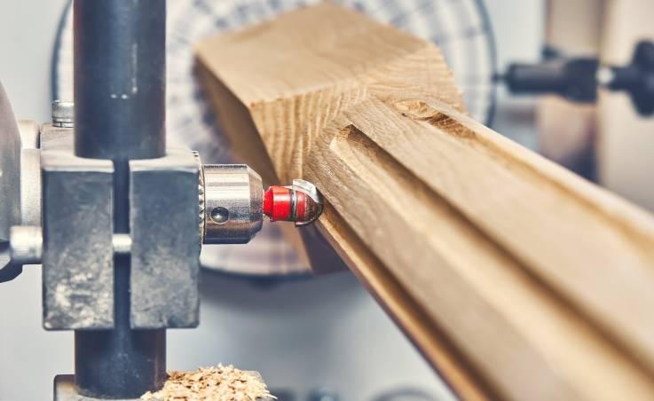 Podstawy frezowania w drewnie. Co musisz wiedzieć?