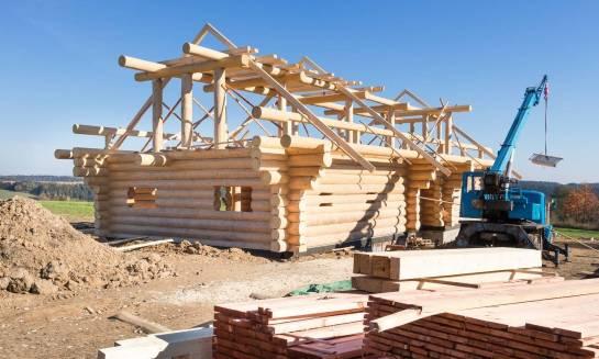 Czy domy z bali mają fundamenty?