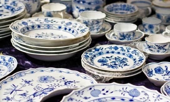 Czym różni się ceramika od porcelany?